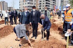GGC, 'Yeşil Şehirler Huzurlu Nesiller' projesi kapsamında ağaç dikti