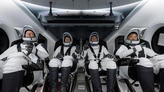 NASA ve SpaceX dönüşü ertelediklerini duyurdu!