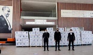Tekirdağ'da iş insanı Çebi'den belediyelere 6 bin koli erzak desteği