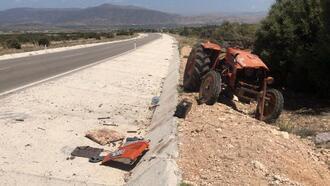 Takla atan traktörün sürücüsü ağır yaralandı
