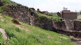 Ünlü yönetmen Elia Kazan'ın Kayseri'de doğduğu ev harap durumda