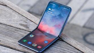 Kapaklı katlanabilir ekranlı telefonlara yeni bir marka dahil oluyor