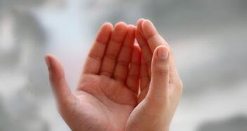 Ölmüş Birine Dua Nasıl Gönderilir? Ölenlerin Arkasından Okunacak Dualar Nelerdir?