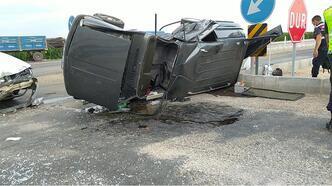 Otomobiller çarpıştı: 1'i çocuk 5 yaralı