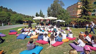Yeditepe, Rusya'da yaz okulu düzenliyor