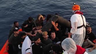 İzmir'de 73 kaçak göçmen yakalandı