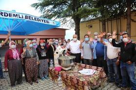 Erdemli'de kadınlara hamur yoğurma makinesi