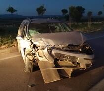 Duran araca çarptı: 4 yaralı