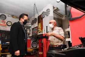'Geri dönüşümcü amca' olarak bilinen Ahmet ustaya Tuzla Belediye Başkanı Yazıcı'dan ziyaret