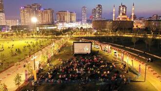 Başakşehir'de açık havada sinema keyfi