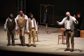 Kuşadası'nda pandemi sonrası ilk tiyatro oyunu
