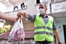 İhtiyaç sahibi ailelere 5 ton kurban eti dağıtıldı