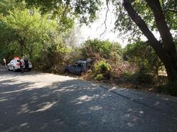 Lastiği patlayan otomobil takla attı: 4 yaralı