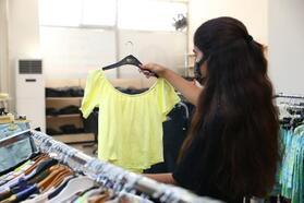 Hayır Çarşısı'ndan 3 bin 358 aileye kıyafet ve ayakkabı yardımı