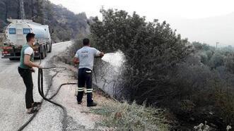 Akdeniz Belediyesi, yangın bölgesine arazöz ve personel gönderdi