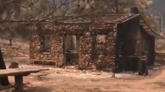 Çökertme Koyu'ndaki Mandıra Filozofu'nun evi alevlere teslim
