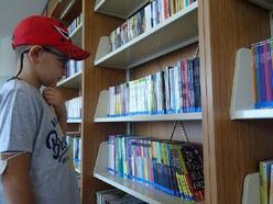 Merkezefendi'nin 8 yaşındaki 'kitap kurdu'