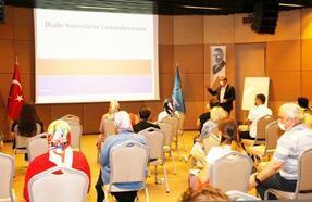 Küçükçekmece'de belediye personeline ihale eğitimi