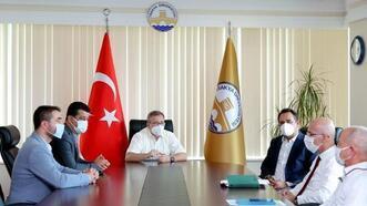 Trakya Üniversitesi yönetimi, sendika temsilcileriyle bir araya geldi