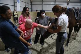 Eyüpsultan'daki özel öğrencilere atlı terapi