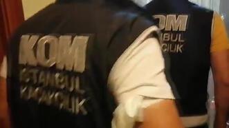 Kadıköy'de baskın! 460 bin lira değerinde kaçak kol saati ele geçirildi