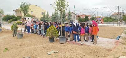 Karatay Belediyesi'nin her mahalleye yeşil alan oluşturma projesi devam ediyor