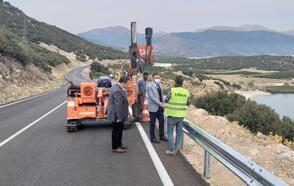 Beydere yolu asfaltlanıp, bariyer yapıldı