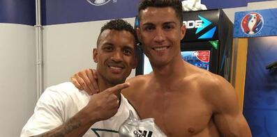 Ronaldo, Gümüş Ayakkabı ödülünü Nani'ye verdi