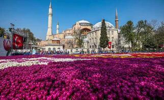 Ayasofya Türkiye'nin zirvesinde