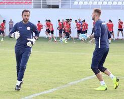 Antalyaspor antrenmanında Köstendil sürprizi