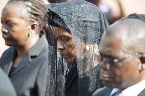 Eski Devlet Başkanı Mugabe'yi böyle uğurladılar