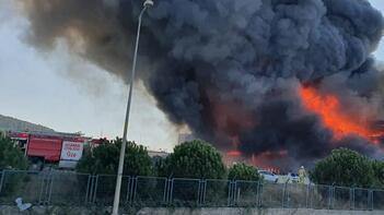 Tuzla Organize Sanayi Bölgesi'nde korkutan yangın!