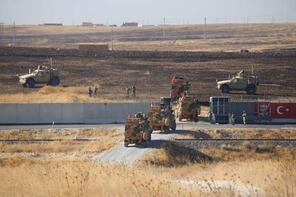 Sınırda sıcak saatler! Türk ve ABD zırhlıları Fırat'ın doğusuna geçti