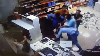 İşyerini basıp öldüresiye dövdüler