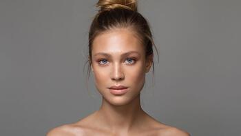 Sizi daha genç gösterecek makyaj teknikleri