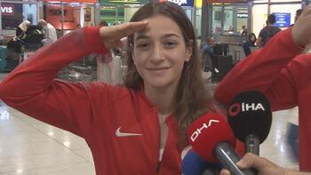 Buse Naz: Mehmetçiğimizin her zaman arkasındayız