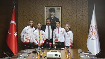 Bakan Kasapoğlu, milli cimnastikçileri ağırladı