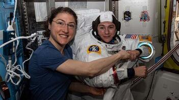 Bir ilk! İki kadın astronot aynı anda...