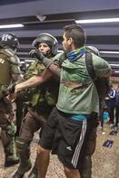 Öğrenciler 24 kuruş için Şili'yi yaktı!