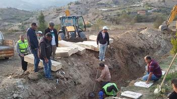 Yer: Kütahya... Mezarlıktaki kabirler tek tek taşınıyor