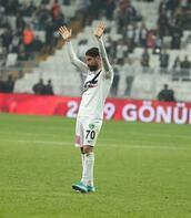 Beşiktaş taraftarı Olcay'ı alkışladı, Oğuzhan'ı yuhaladı!