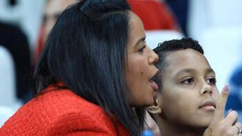 Marcelonun eşi ve oğlu Beşiktaşa destek verdi