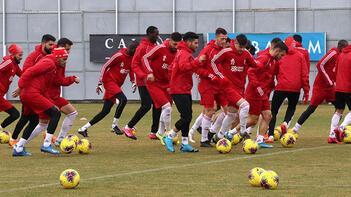 Sivasspor'da Antalyaspor maçı öncesi eksikler can sıkıyor