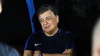 Akhisarspor Başkanı Karabulut: Süper Lig'de Yılmaz Vural ile devam