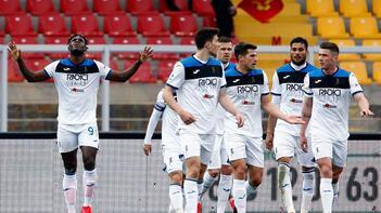 İtalyan ekibi Lecce, futbolcuların mart ayı maaşlarını Serie Adan düşmezlerse ödeyecek