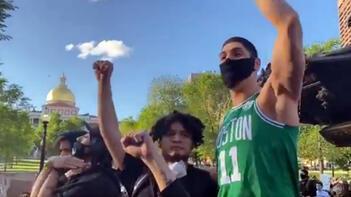 FETÖ'cü Enes Kanter, ABD'deki protestolara katıldı