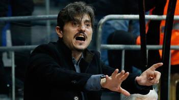 Taraftarlar, Panathinaikos Başkanı Dimitris Giannakopoulos'un evine saldırdı
