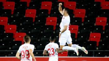 Jahovic penaltı golleriyle krallık yarışına ortak!