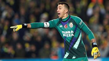 Son dakika Galatasaray transfer haberleri | Galatasaray'a Muslera sonrası kötü haber! Resmen açıkladı...