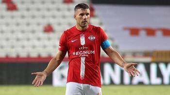 Antalyaspor'da Podolski ve Fredy Trabzonspor maçında yok!